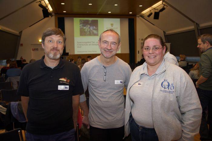 Unsere Vertreter beim 3. Tier- und Rechttag: Mag. Michael Köck (Vizepräsident des ÖDAST), Dr. Anton Lamboj und MMag. Barbara Pachner (ÖVVÖ)